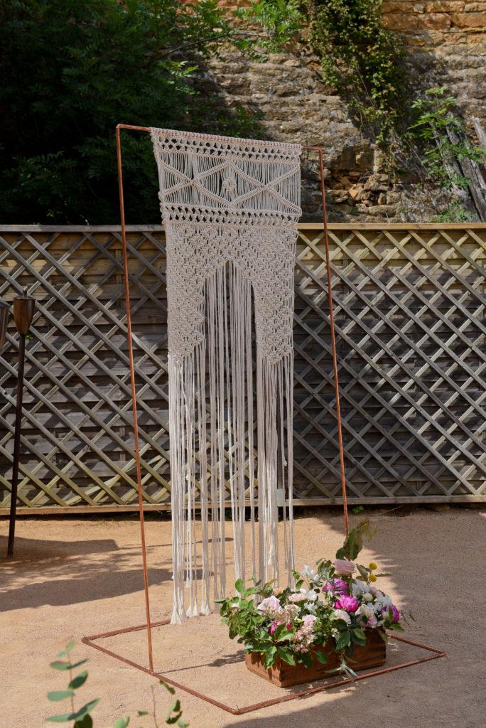 notre arche en macramé en décoration de mariage
