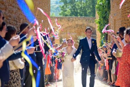sortie des mariés bulles et rubans