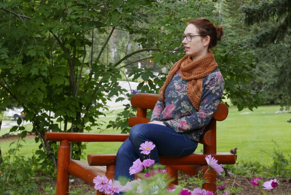 châle assise sur un banc