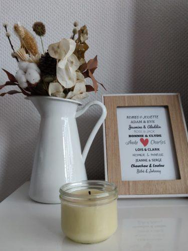 bougie parfumée et fleurs séchées