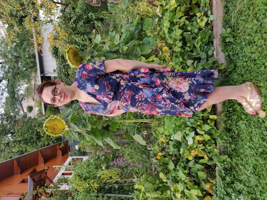 robe charlotte de profil en entier